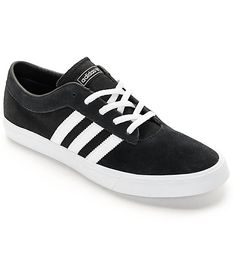 59f649ebd7e0 Adidas Campus suede sneaker in grey. Sneakers with distressed denim jeans.  Nike Shoes For