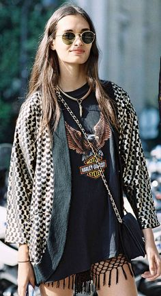 Paris Fashion Week SS (Vanessa Jackman) Style crushing on Gizele Look Boho, Bohemian Style, Hippie Style, Paillette Rock Outfit, Mode Style, Style Me, Looks Hippie, Mode Hipster, Vanessa Jackman