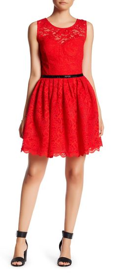 Red Sleeveless Pleated Lace Dress