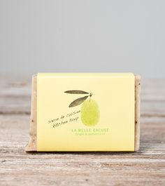 Savon cuisine (romarin citron café) 65 g – La belle excuse | magasin général Place Cards, Place Card Holders, General Store, Shops, Lemon, Soap, Products, Kitchens