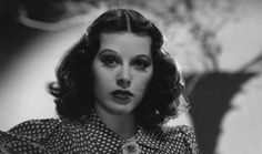 12 Mujeres de la historia a las que les importó un carajo el qué dirán...