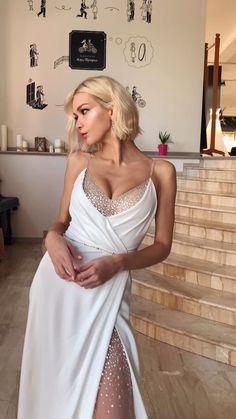Elegant White Dress, Elegant Dresses, Pretty Dresses, Beautiful Dresses, Satin Dresses, Ball Dresses, Bridesmaid Dresses, Prom Dresses, Formal Dresses