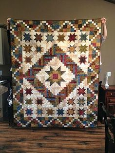 Lone Star Log Cabin Quilt -- terrific smartly made Amish Quilts from Lancaster Star Quilts, Scrappy Quilts, Mini Quilts, Quilt Blocks, Colchas Quilting, Quilting Projects, Quilting Designs, Log Cabin Quilt Pattern, Log Cabin Quilts
