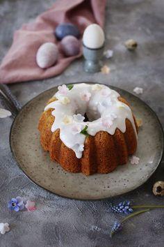 Miss Klein: Juicy carrot cake Bunt Cakes, Cupcake Cakes, Cupcakes, Panna Cotta, Pie Dessert, Homemade Cakes, Sweet Bread, Carrot Cake, Let Them Eat Cake
