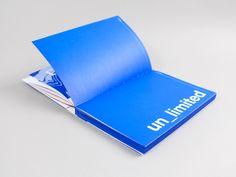 Einmal jährlich diskutieren Branchenexperten bei Interprint, eine der weltweit führenden Dekordruckereien, aktuelle Mega-Trends und Zeitgeist-Themen und wie sich diese ins Möbel übersetzen lassen. Zur zehnten Ausgabe der Interprint Möbeltage braucht es ein Motto, ein visuelles Erscheinungsbild und einen begleitenden Produktkatalog, der nicht nur eine Auswahl der sechs stärksten Dekore präsentiert, sondern den Leser für die [...]
