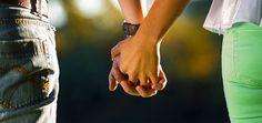 Olá! Há 10 hábitos que distinguem os casais felizes. São eles: 1. Deitar ao mesmo tempo Os casais felizes costumam deitar-se ao mesmo tempo, mesmo que não acordem à mesma hora. 2. Cultivar interesses…
