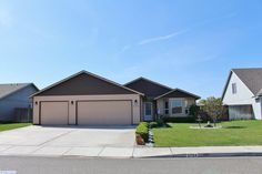 Tri-Cities: Pasco Home for Sale - 5704 Mckinley Court