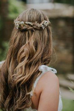 hair natural hair styles for medium length hair natural for wedding hair hair curls hair jewelry hair style for short hair wedding hair dos Half Braided Hairstyles, Boho Hairstyles, Style Hairstyle, Hairstyle Ideas, Curly Wedding Hair, Wedding Hair Down, Boho Wedding, Curly Hair Styles, Natural Hair Styles