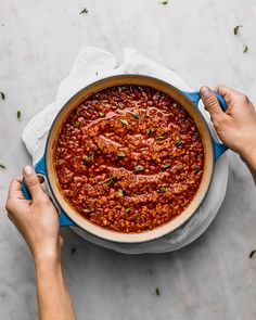 My Aunt's Legendary Bolognese Sauce (Cravings Journal) Beste Bolognese Sauce, Slow Cooker Bolognese Sauce, Homemade Bolognese, Vegan Bolognese, Easy Pasta Sauce, Potato Pasta, How To Peel Tomatoes, How To Cook Eggs, Sauce Recipes