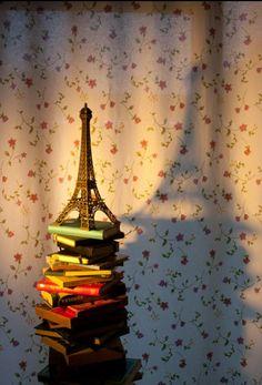 Paris and books