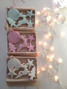 Christmas Cookie Gift sets by #NilaHolden. So cute, the bauble cookie can be customised with your son/daughter, niece/nephew or grandchild's name!