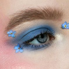 Image about pretty in beauty and glamour by Your's truly Creative Makeup Looks, Unique Makeup, Cute Makeup Looks, Pretty Makeup, Eye Makeup Art, Beauty Makeup, Makeup Inspiration, Makeup Inspo, Flower Makeup