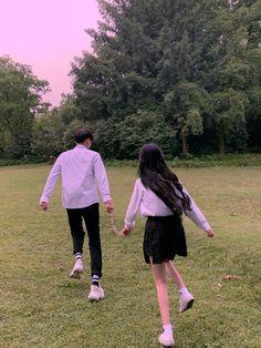 Boy Best Friend Pictures, Boy And Girl Best Friends, Cute Couple Pictures, Ulzzang Couple, Ulzzang Girl, Cute Korean, Korean Girl, Cute Couples Goals, Couple Goals