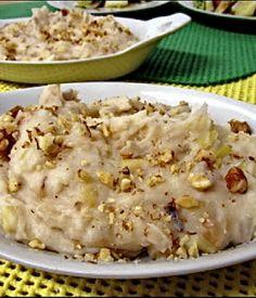 Puré de yuca con puerro y nueces  http://www.culturamas.es/ocio/2012/05/21/pure-de-yuca-con-puerro-y-nueces/