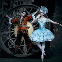 Coppelia was the first balletshow I ever saw, I must have been around 9 years old