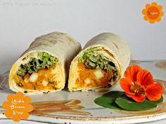 Kürbis Birnen Wrap mit Humus kommt von Freude am Kochen! Und aus Insiderkreisen weiß ich: es ist supersuperlecker Hummus, Fresh Rolls, Sandwiches, Food And Drink, Lunch, Healthy, Ethnic Recipes, Pears, Halloween