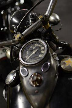 Riding a motorcycle. Cat Eye dash on a Harley Vintage Bikes, Vintage Motorcycles, Harley Davidson Motorcycles, Vintage Cars, Cars And Motorcycles, Honda Motorcycles, Custom Motorcycles, Retro Vintage, Moto Scrambler