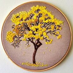 french knots in embroidery French Knot Embroidery, Floral Embroidery Patterns, Hand Embroidery Patterns, Ribbon Embroidery, Cross Stitch Embroidery, Embroidery Kits, French Knots, Embroidery Techniques, Crochet