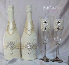 Купить Свадебные бокалы с брошами и стразовой тесьмой - бежевый, свадебные бокалы, свадебные фужеры