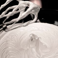How To Make Royal Icing (that won't dry rock hard) - CakeCentral.com