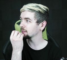 Jacksepticeye // Sean McLoughlin<<< :)