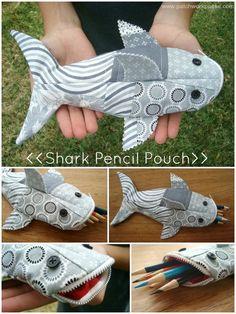 Акула-пенал для мелочей. Текстильная игрушка