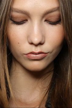 karlie's bronze and nude makeup.  pretty.