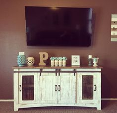 Tv stand decor. Media center decor. Media consule decor. Farmhouse tv stand. Distressed
