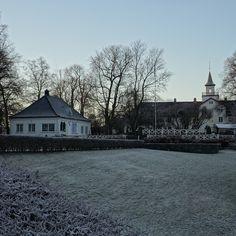 vinter i oslo   norge   frognerparken   vigelandsanlegget   utsikt på café og bymuseet