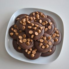 Coffee Mocha Chocolate Candy 1 Dozen by NicolesTreats on Etsy Think Food, I Love Food, Good Food, Yummy Food, Yummy Yummy, Cute Desserts, Delicious Desserts, Delicious Cookies, Dessert Original