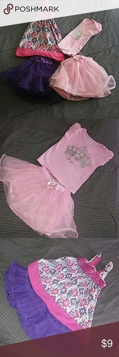 ⭐⭐2 Princess outfits Size 2T⭐⭐ 2 for 1 Princess outfits ⭐so cute. The top with purple in it it also cute styled with purple leggings ⭐ great condition. Matching Sets