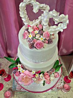 Tarta boda flores y corazón