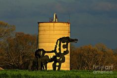 Reid Callaway - Historic Silo and The Iron Horse Sundown
