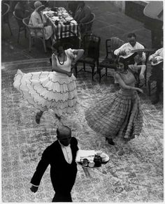 Spanish Dancers at the Berlin Zoo, 1930's.