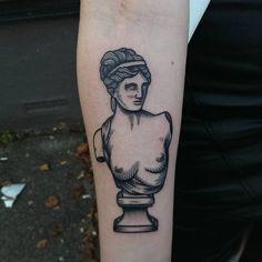 Le plus chaud Pic Sculpture tattoo Réflexions Black Tattoos, Body Art Tattoos, Cool Tattoos, Tatoos, Sculpture Tattoo, Geniale Tattoos, Foto Art, Labret, Piercing Tattoo