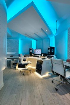 Paul Epworth's The Church Studios London UK Renovated Recording Studio designed . - Paul Epworth's The Church Studios London UK Renovated Recording Studio designed WSDG & installed - Home Studio Musik, Music Studio Room, Sound Studio, Music Rooms, Home Music, Gaming Room Setup, Gaming Rooms, Desk Setup, Gaming Desktops