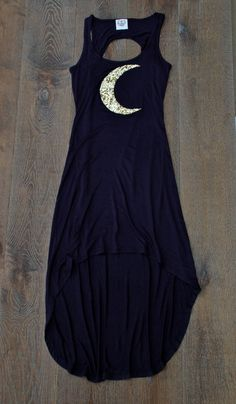 Witch Chic | #crescent #moon #black #dress