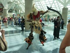 Aw, Fiddlesticks...this League of Legends cosplay was almost too big to fit into frame.