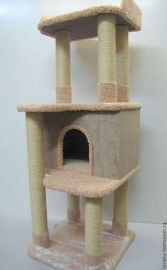 Купить или заказать Домик для кошек  'Аккорд' подходит для крупных кошек. в интернет-магазине на Ярмарке Мастеров. Игровой домик для кошки представляет собой устойчивую конструкцию, которая включает в себя тяжелое основание, просторный домик, высокую когтеточку, большую открытую полку и внушительных размеров лежанку с бортиками, В данной модели предусмотрены все необходимые элементы для комфортной жизни кошки. Перемещаться кошке с одного уровня комплекса на другой будет очень удобно, так как…