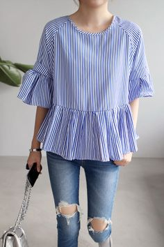 Korean women's fashion: miamasvin more robes vintage, blouse simple Casual Outfits, Summer Outfits, Cute Outfits, Fashion Outfits, Womens Fashion, Fashion News, Dress Summer, Fashion Fashion, Mode Top
