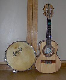 Pandeiro and cavaco, the nucleus of common samba instrumentation