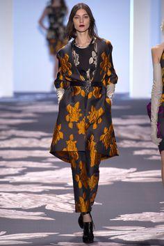 Vera Wang Fall 2013 Ready-to-Wear Fashion Show - Kati Nescher