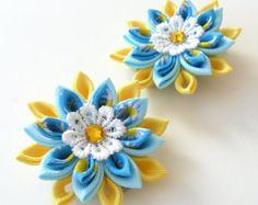 Flores de tela Kanzashi. Conjunto de 2 pinzas de pelo. por JuLVa