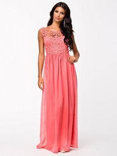 5bf520dc4251 Crochet Top Maxi Dress - Club L - Coral Pink - Festklänningar - Kläder -  Kvinna