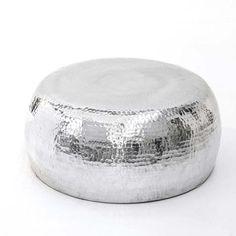 Beistelltisch metall gehämmert  Beistelltisch, edel, Metall, gehämmert Vorderansicht | Wohnung ...