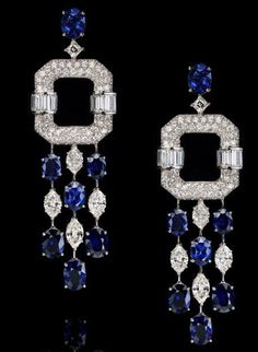 (18.01ctw), eight marquise-shaped diamonds (4.64ctw), carre-cut diamonds (3.81ctw), round brilliant diamonds (3.90ctw) on platinum and 18k white gold.