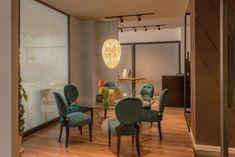 Showroom, Oversized Mirror, Elegant, Luxury, Interior, China, Furniture, Home Decor, Style
