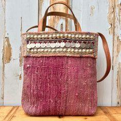 "Kilim bag - Boho bag - Shoulderbag - Tote bag - Tribal bag - Carpet bag ""Choosing the right fabric is the first step to your sewing proj. Diy Bag Recycled, Tribal Bags, Carpet Bag, Fabric Bags, Knitted Bags, Sisal, Handmade Bags, My Bags, Bag Making"