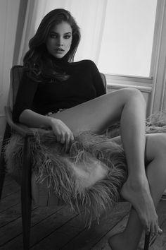 Barbara Palvin flaun