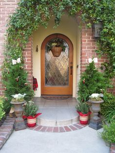Welcoming Christmas - My Holiday Front Porch by My Soulful Home   My Soulful Home!!! Bebe'!!! Love this festive front porch!!!